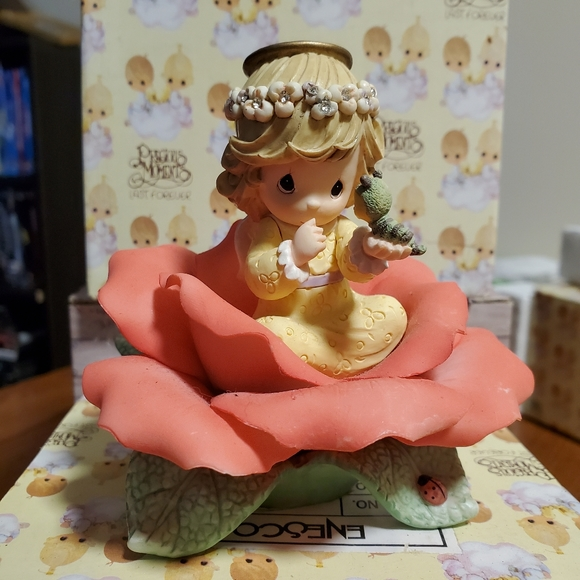 Enesco Precious Moments Figurine